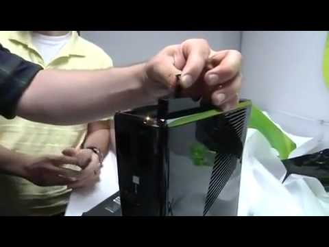 New Xbox 360 250GB 1st Unboxing By Engadget. the Metro slim