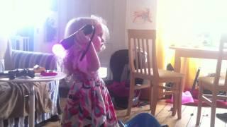 Ellie plays Pooyoos Episode 1